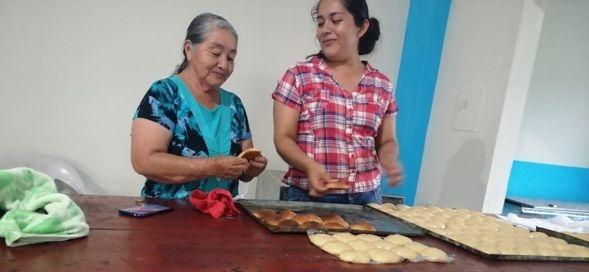 ACTIVIDADES Y MANUALIDADES DEL PROYECTO ADULTO MAYOR